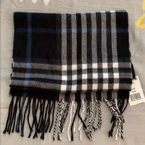 Black/white/blue plaid scarf